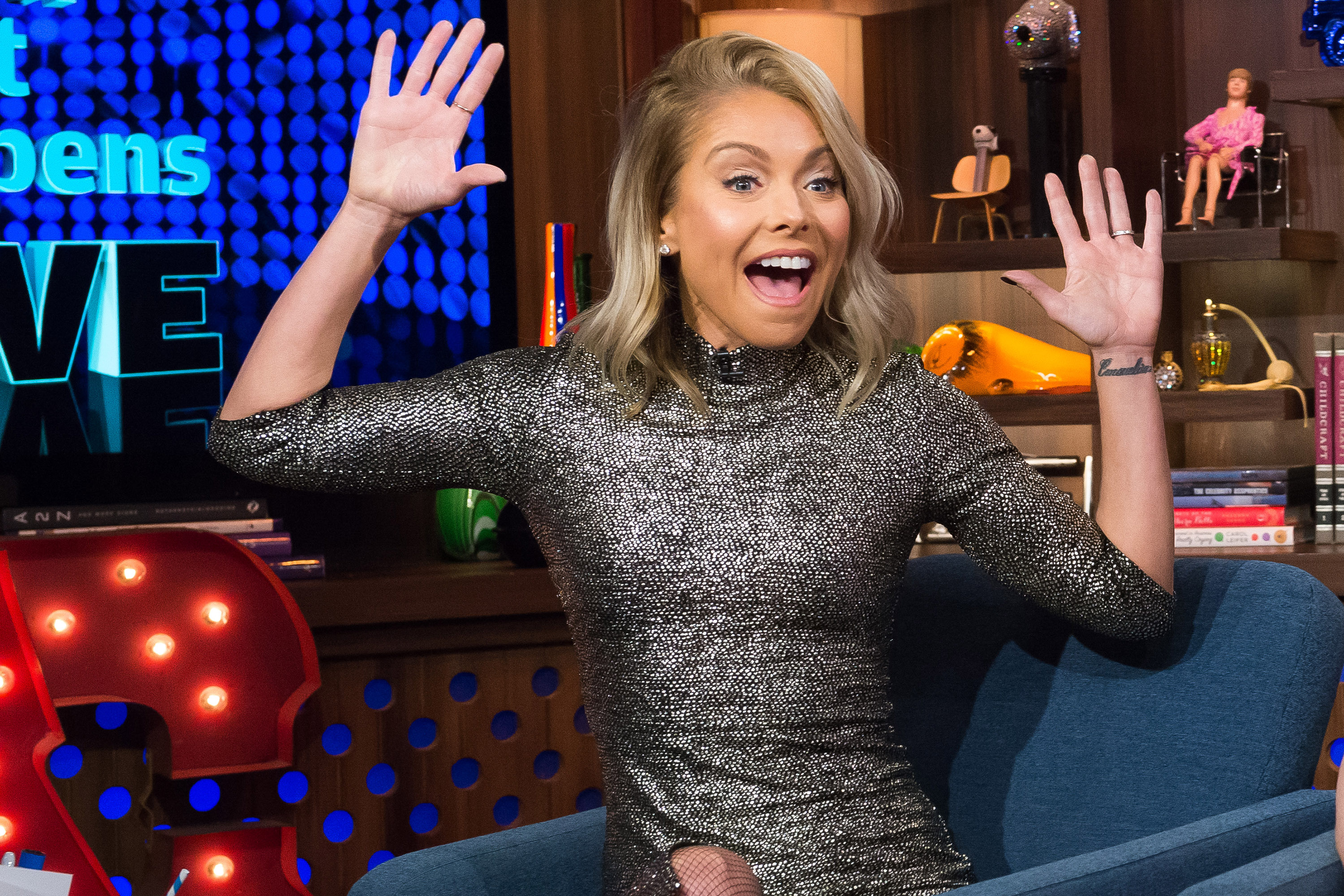 Kelly Ripa Has Officially Chosen Her New Quot Live Quot Cohost