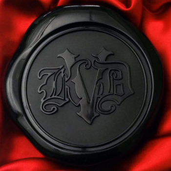 You can now get your hands on Kat Von D Beauty's Lock-It Blotting Powder