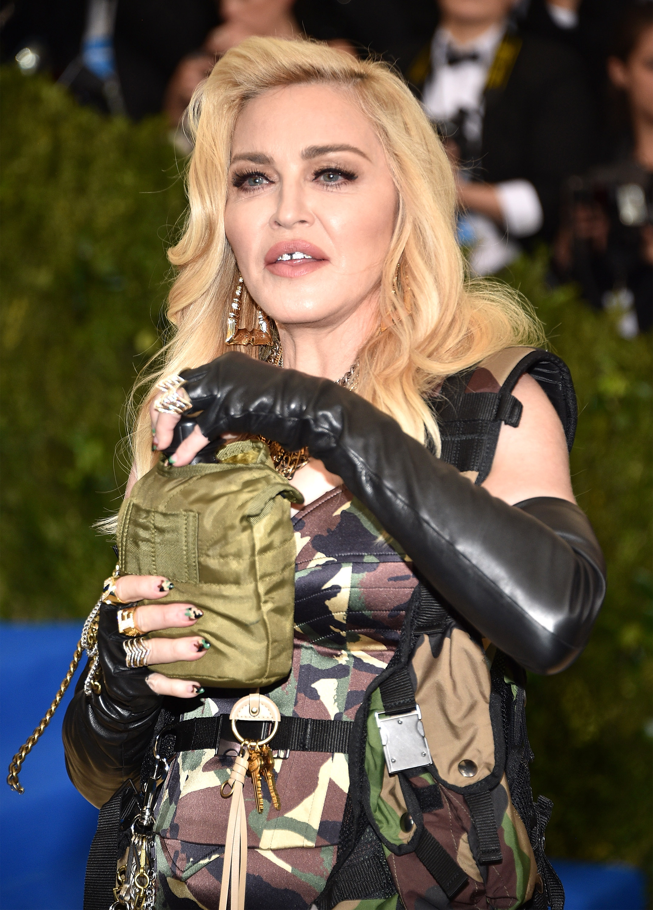 Military fashion 2017 - Is Madonna Wearing Camo At The 2017 Met Gala