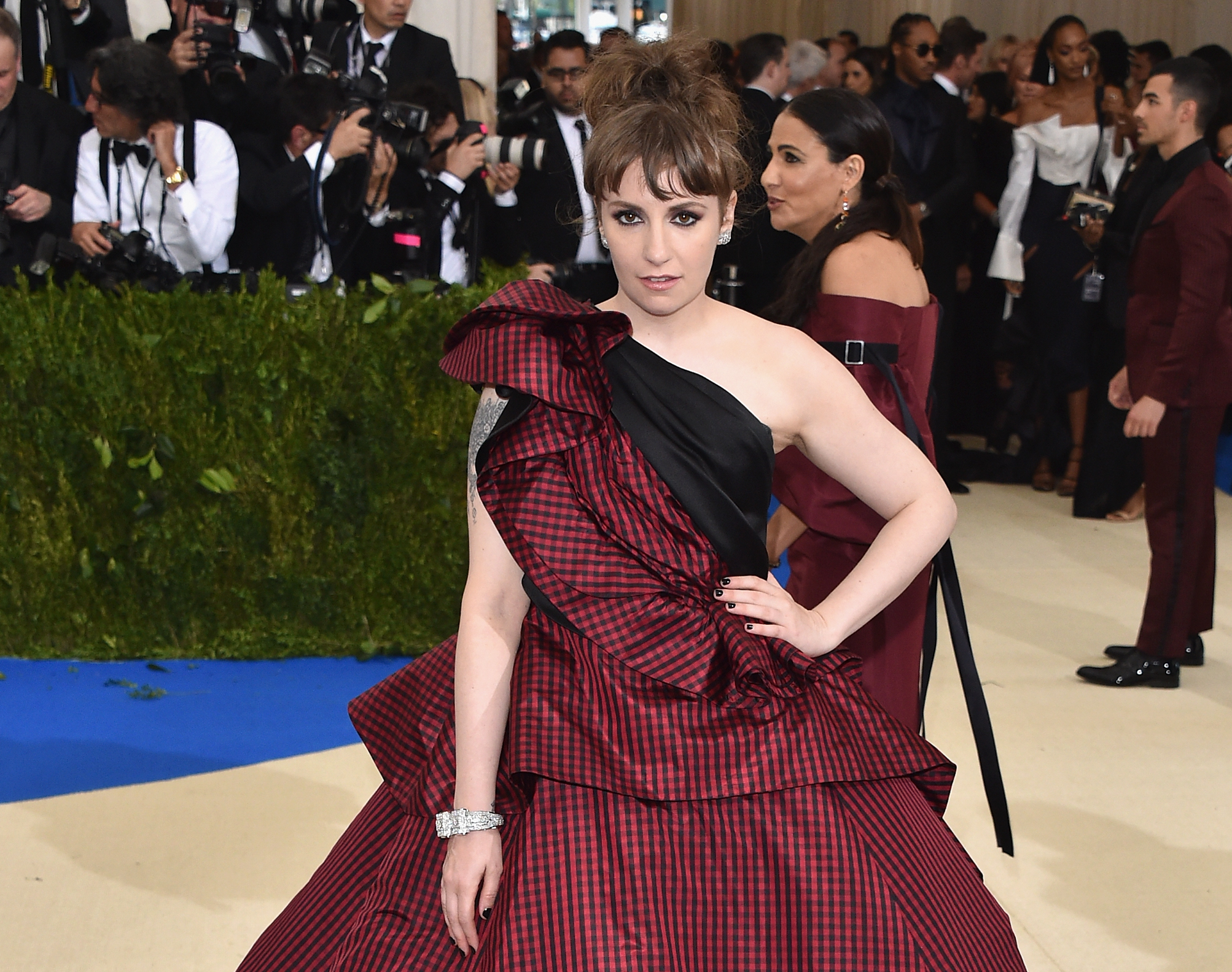 Lena Dunham explained why she was hospitalized after the Met Gala
