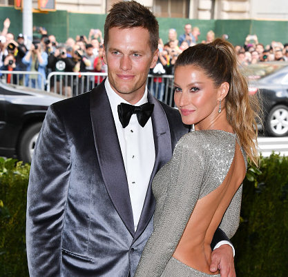 Tom Brady and Gisele Bündchen were matchy-matchy in shimmering silver getups at the Met Gala