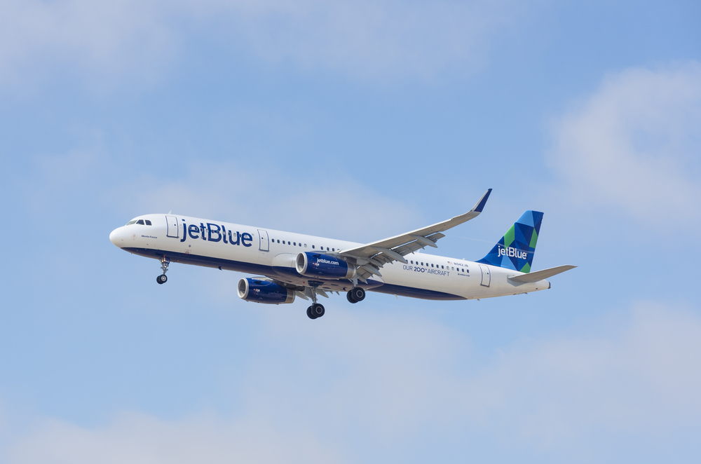 This is NOT a drill: JetBlue is having a spring flash sale with flights starting at $44