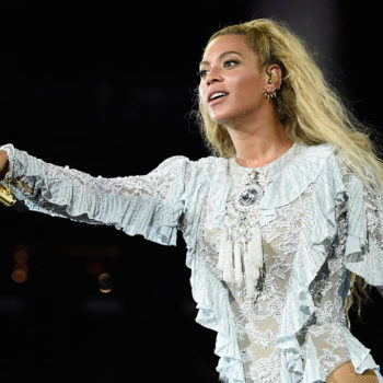A Beyoncé fan bought her Formation tour microphone for an unbelievable amount of money