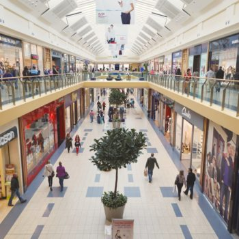 Real estate experts predict that 30% of malls will shut down during the next recession