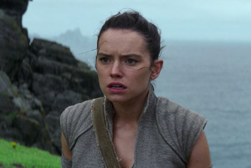 "There was a major character RUDELY cut from the end of ""Star Wars: The Force Awakens"""
