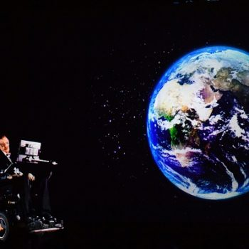 Stephen Hawking just gave a pretty scary prediction of how long humans have left on Earth