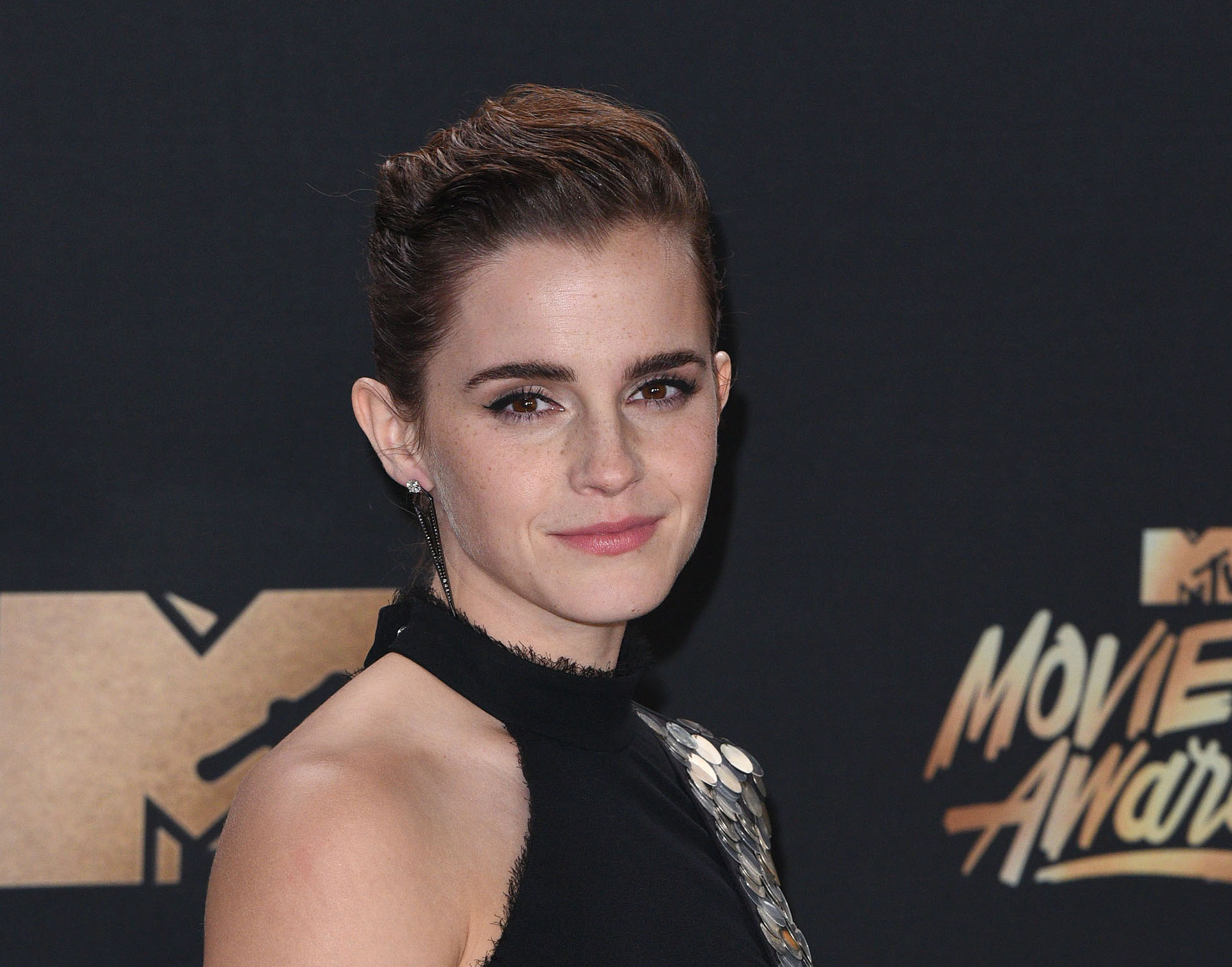 Emma Watson transformed into a goth mermaid at the MTV Movie and TV Awards