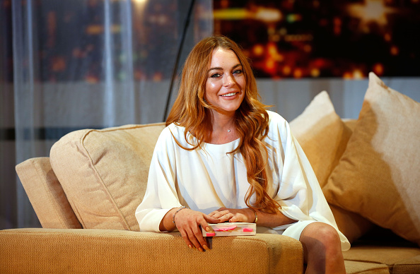 "Lindsay Lohan's ""Parent Trap"" throwback pic is giving us a serious case of the feels"