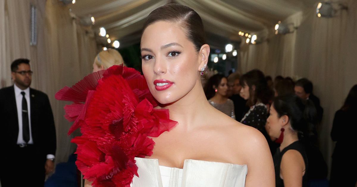 Ashley Graham revealed that her mom prevented her from giving up modeling