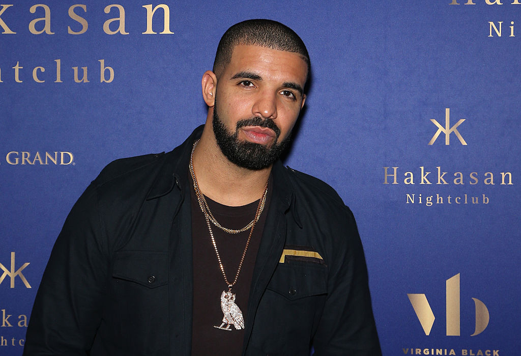 Drake gave his tattoo artist some ink because he's basically good at everything