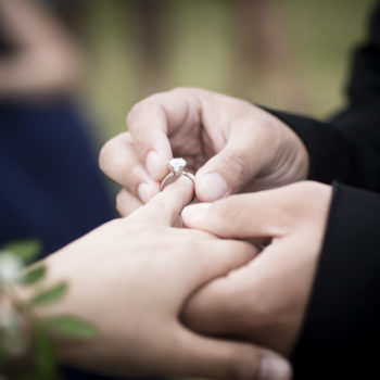 This photographer mistakenly documented the wrong wedding proposal — but it kind of worked out?