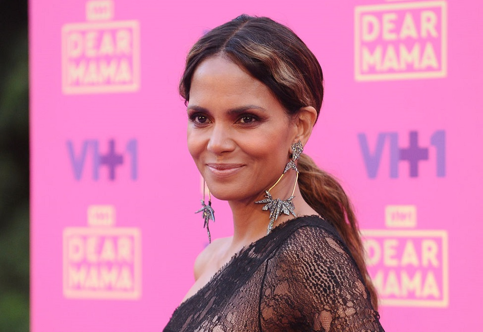 Halle Berry's tribute to her cat will bring you to tears
