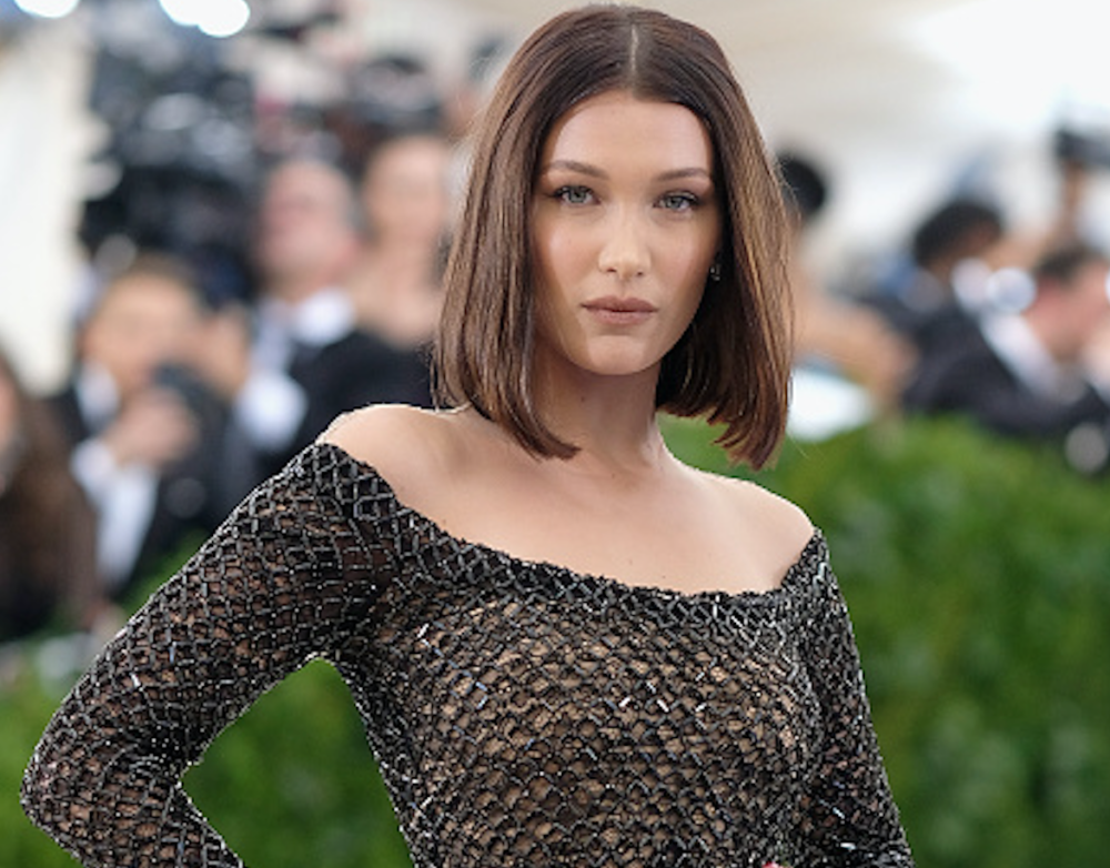 "Bella Hadid could be an extra in ""Clueless"" with this look"