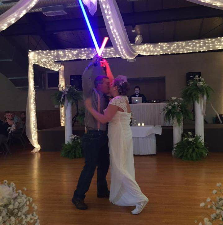 Wedding First Dance Songs 2017: Forget First Dance, This Couple Had A First *lightsaber