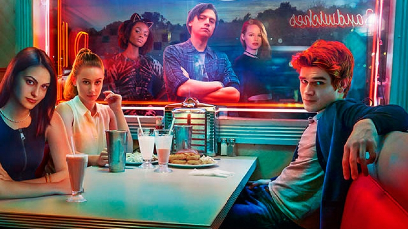 """Riverdale"" has cast its new Reggie and, um, we're really looking forward to season 2 now"
