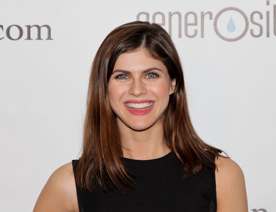"Alexandra Daddario looked like a silver screen siren — literally — at the ""Baywatch"" premiere"
