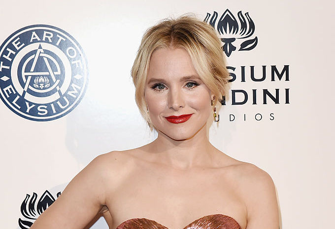 Kristen Bell's neckline is confusing us in the best way, and we're looking to copy her