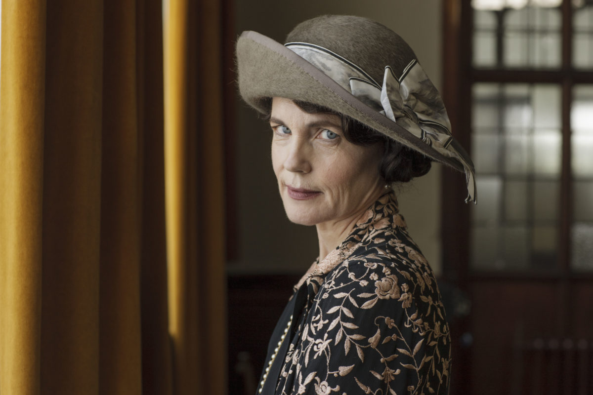 "Listen up, ""Downton Abbey"" fans: Julian Fellowes and Elizabeth McGovern are returning to PBS"