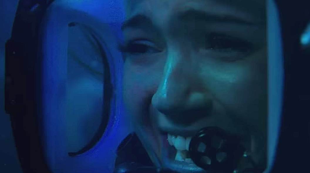 """Tonight's nightmare is presented by the second trailer for Mandy Moore's """"47 Meters Down"""""""