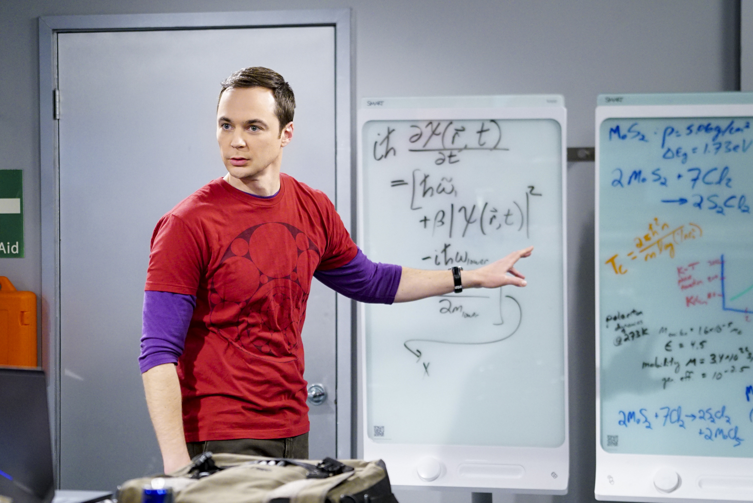 "We've got the first look at the ""Big Bang Theory"" spinoff, ""Young Sheldon,"" and he's so cute we could burst"