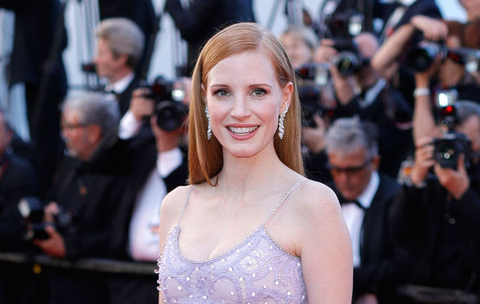 "Jessica Chastain's Cannes dress magically turned her into ""Beauty and the Beast's"" feather duster"