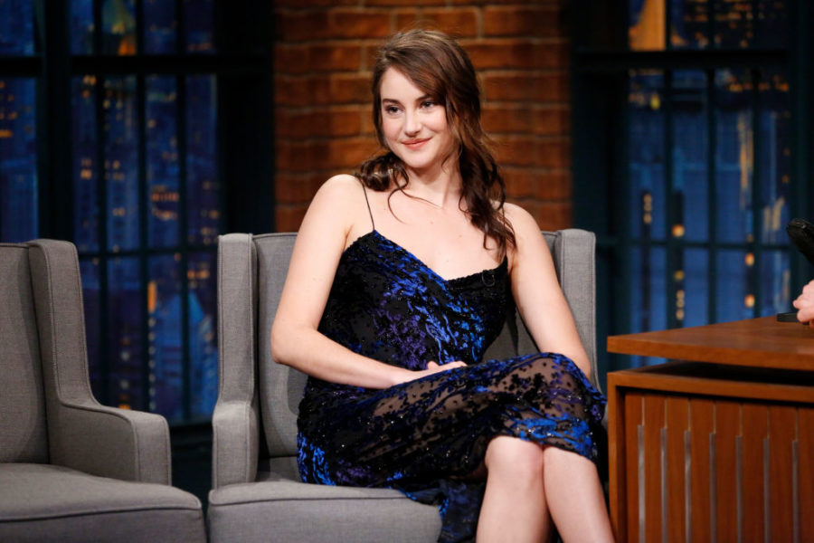 Oh, hello! Shailene Woodley is a total blonde beach girl now