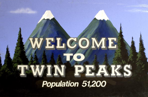 """Twin Peaks"" comes back THIS Sunday, so here's everything you need to know before Season 3"