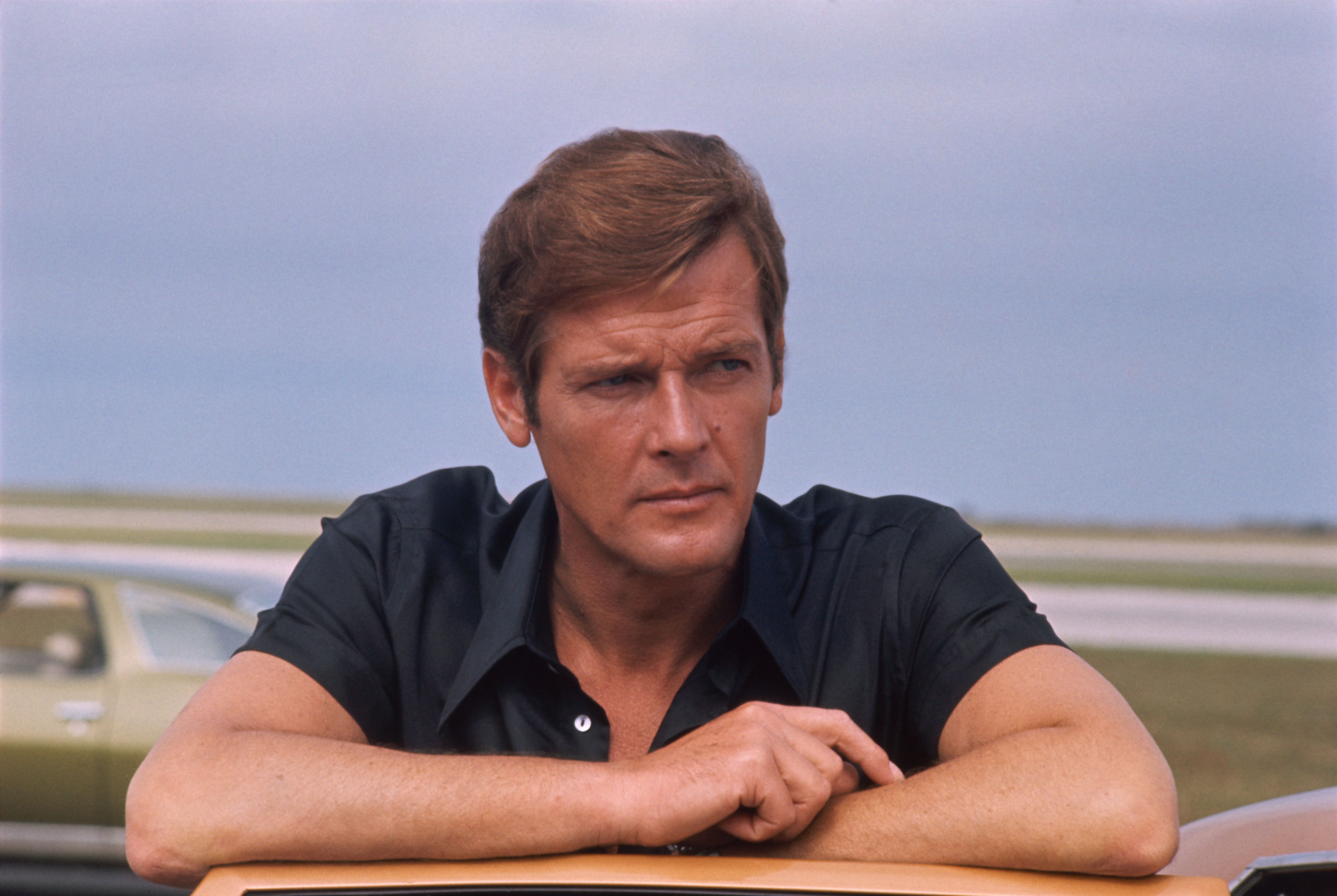 "We're sad to report that ""James Bond"" star Roger Moore has died"