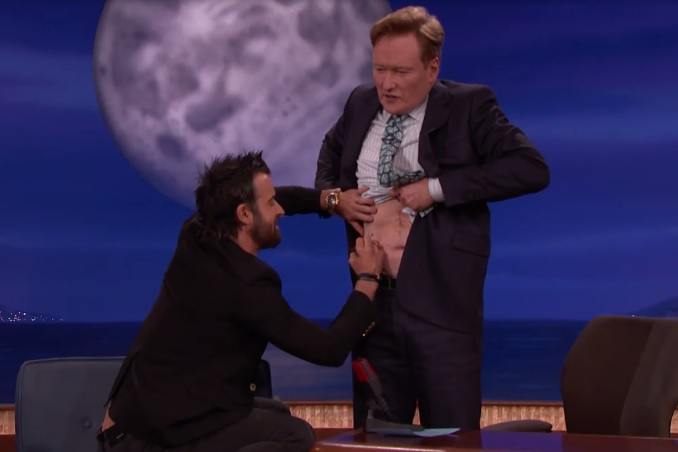 Justin Theroux just gave Conan O'Brien a unicorn tattoo