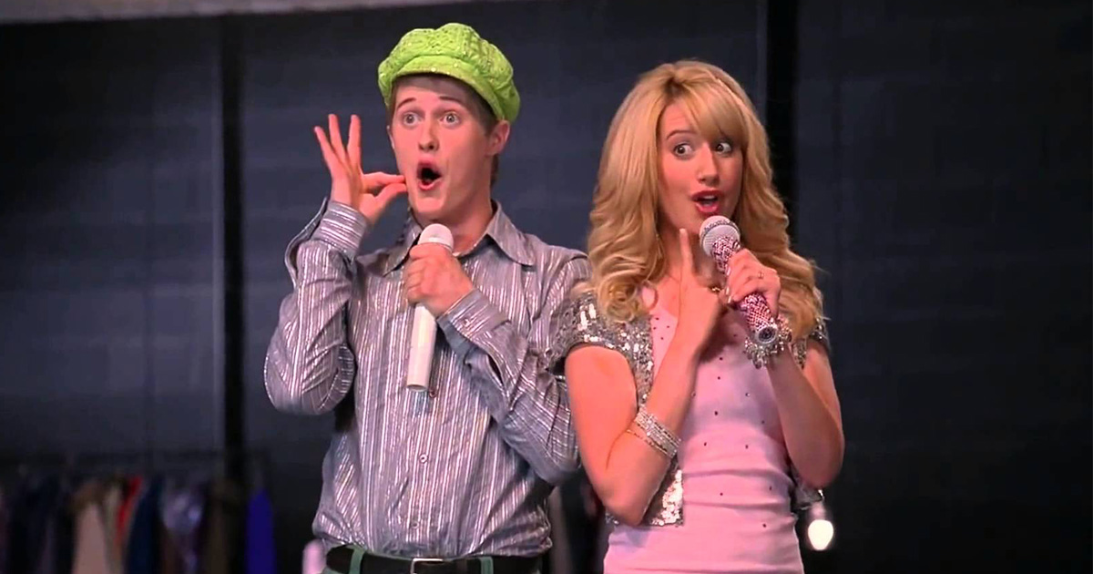 """Ashley Tisdale and Lucas Grabeel just recreated this iconic """"High School Musical"""" number, and now it's 2006 again"""