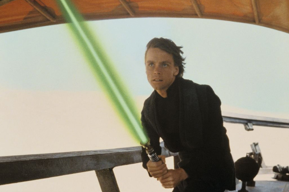 "Here's the super simple reason Luke's lightsaber is green in ""Star Wars"""