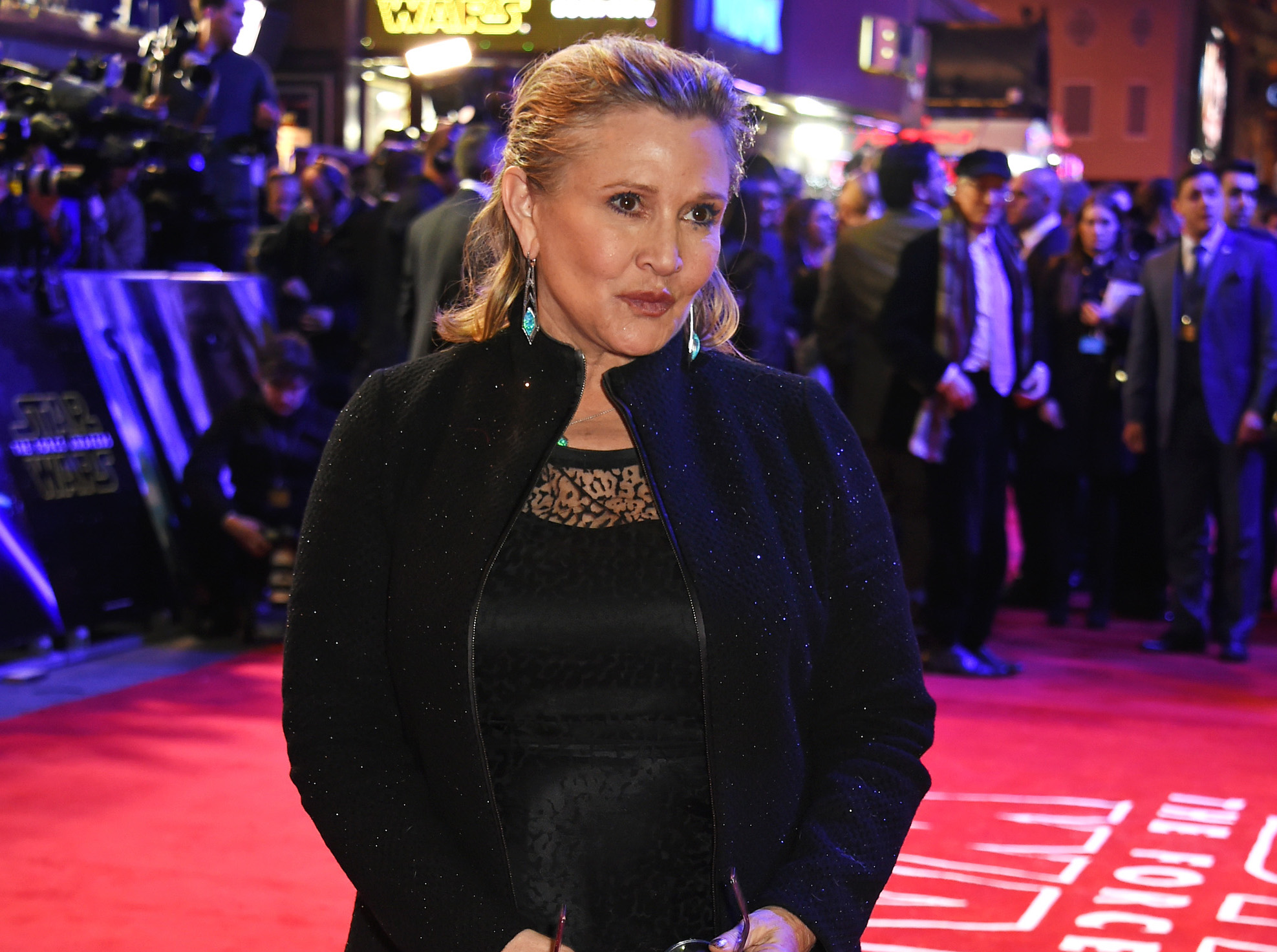 "As you can probably guess, Carrie Fisher gave the new ""Star Wars"" cast the *best* advice"