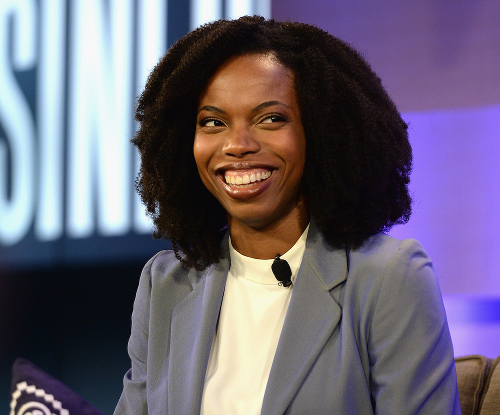 "Sasheer Zamata just debuted her post-""SNL"" hair and it is SO COOL"