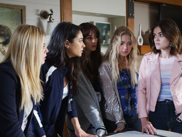 "This is the finale moment that made all the ""Pretty Little Liars"" stars cry"