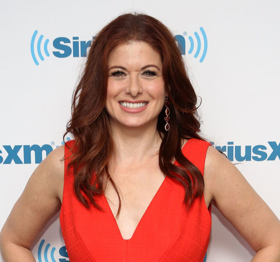 Debra Messing still hangs with her ex's family and we think that's absolutely amazing