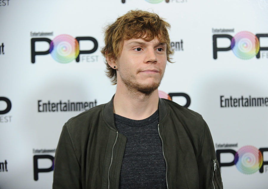 "Hey everyone, need your undivided attention: Evan Peters has blue hair for ""American Horror Story"""