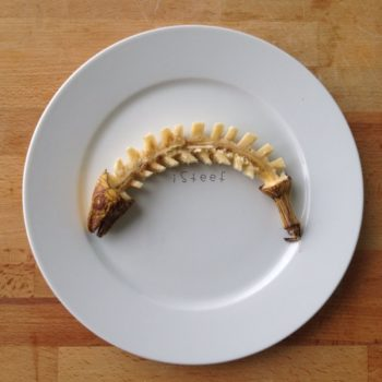 This artist uses banana peels as a canvas, and it's totally B-A-N-A-N-A-S