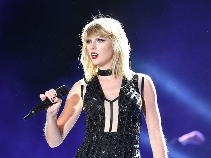 A judge has thrown out the slander claims from the DJ who allegedly groped Taylor Swift