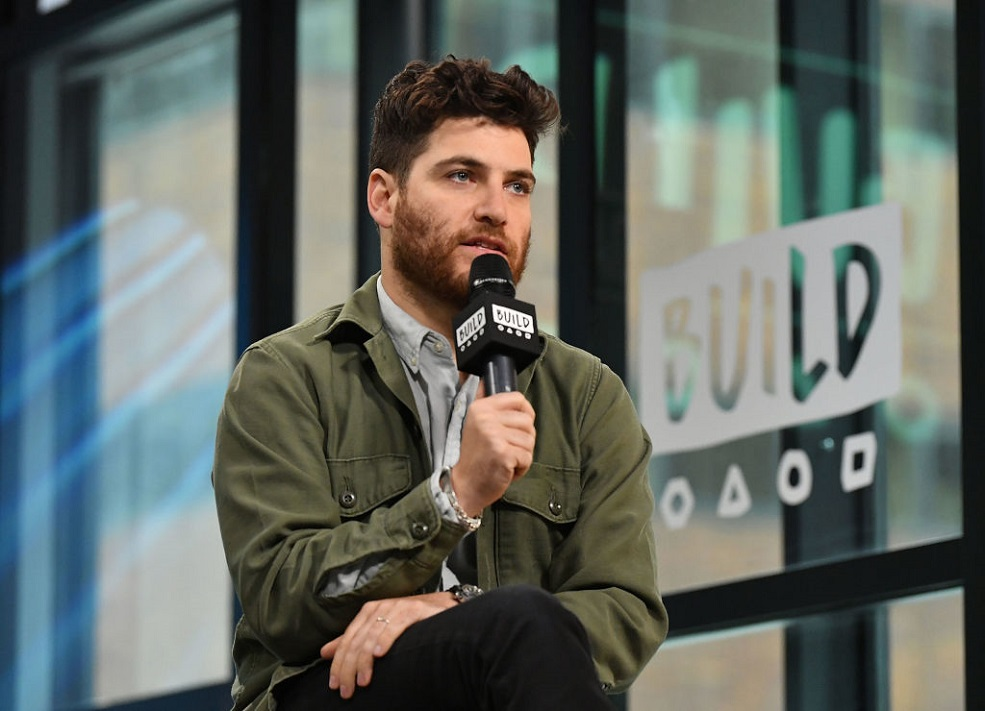 Adam Pally is turning this funny Twitter account into a TV show