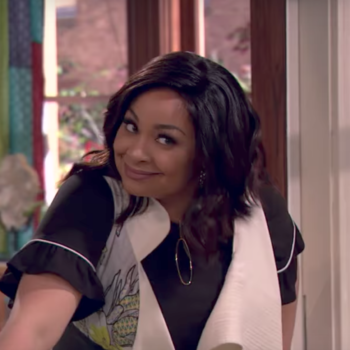 """Our nostalgic hearts are bursting, because the """"That's So Raven"""" spin-off trailer is here!!"""