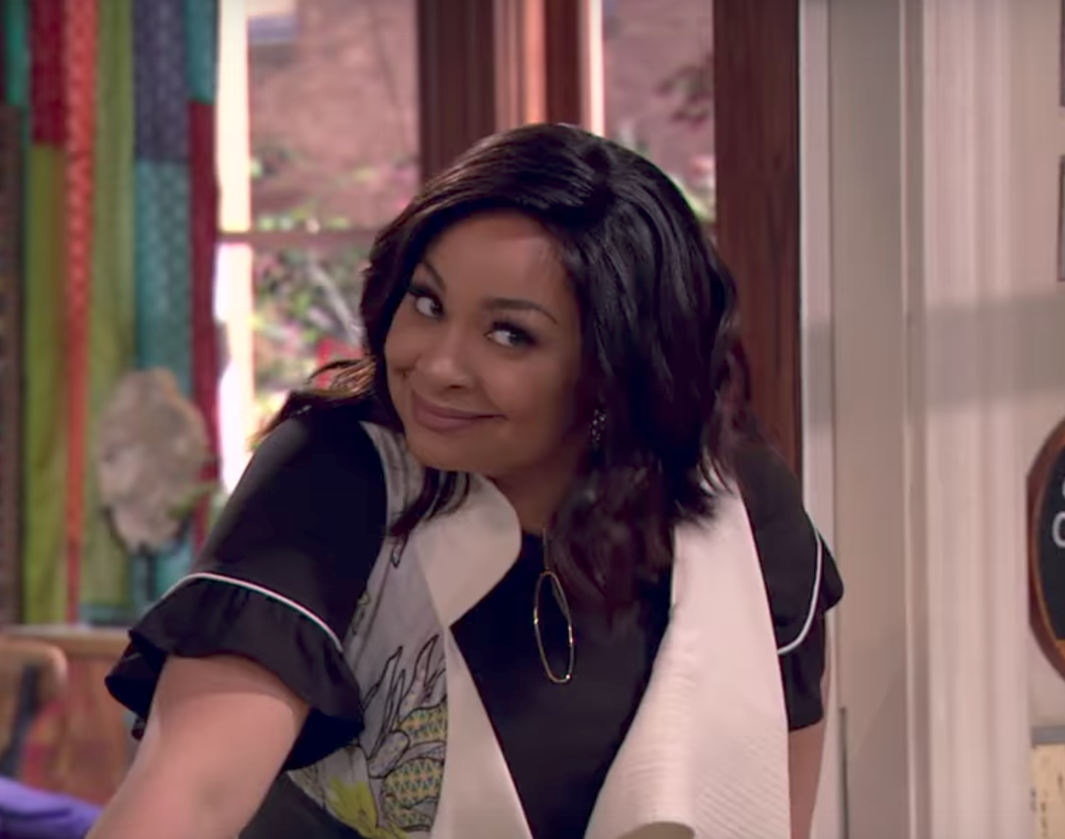 "Our nostalgic hearts are bursting, because the ""That's So Raven"" spin-off trailer is here!!"