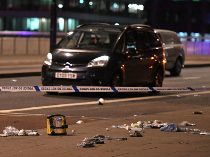 Six killed and three attackers shot dead in attacks on central London
