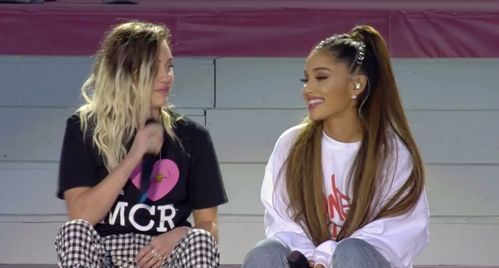 Miley Cyrus and Ariana Grande sang a gorgeous duet at yesterday's Manchester benefit concert