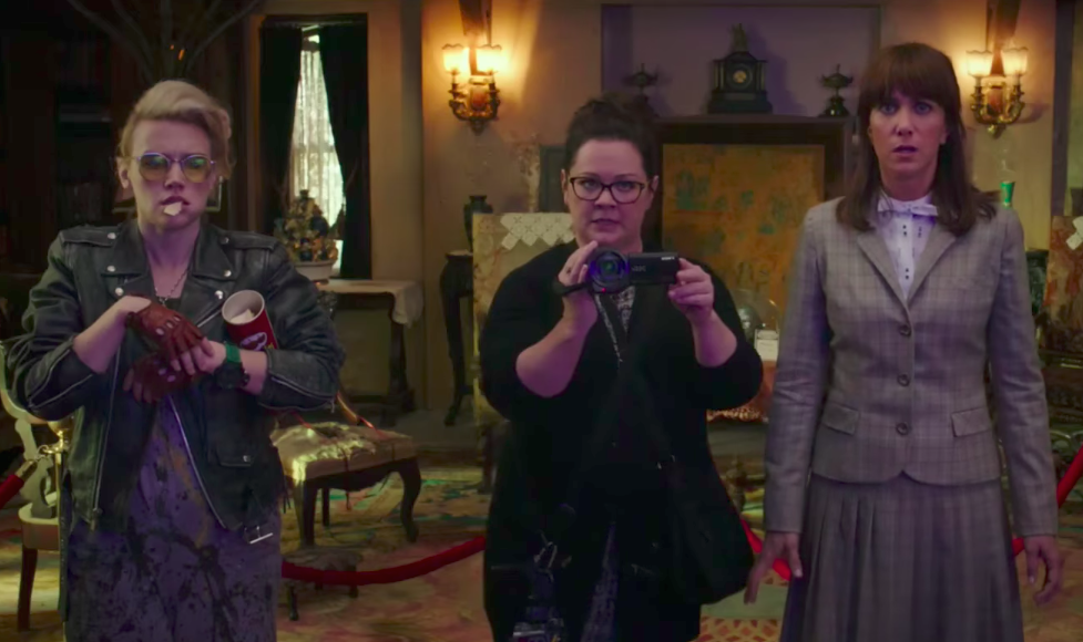 An OG Ghostbuster is blaming reshoots on the fact that there won't be a second all-ladies outing