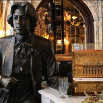 New York is getting an Oscar Wilde-themed bar, giving us serious literary FOMO