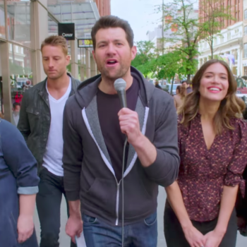 "Everyone is completely unfazed meeting the cast of ""This Is Us"" in this hilarious ""Billy on the Street"" clip"