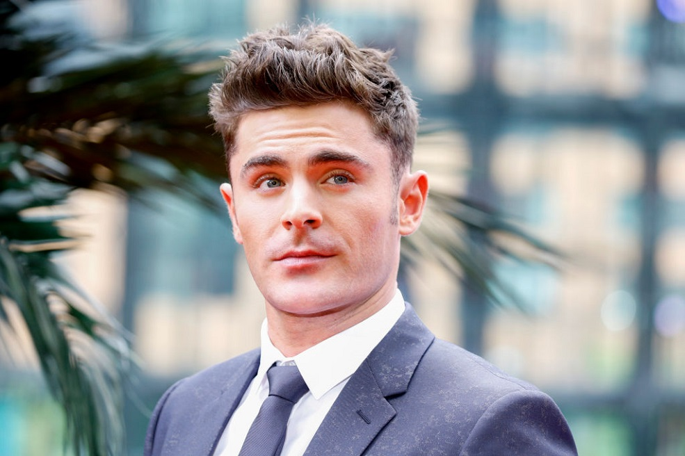 "Zac Efron just waxed a man's body in the name of ""Baywatch"""