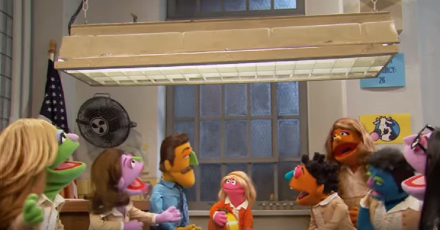 """Sesame Street"" spoofed ""Orange is the New Black,"" and it's all about snacks"