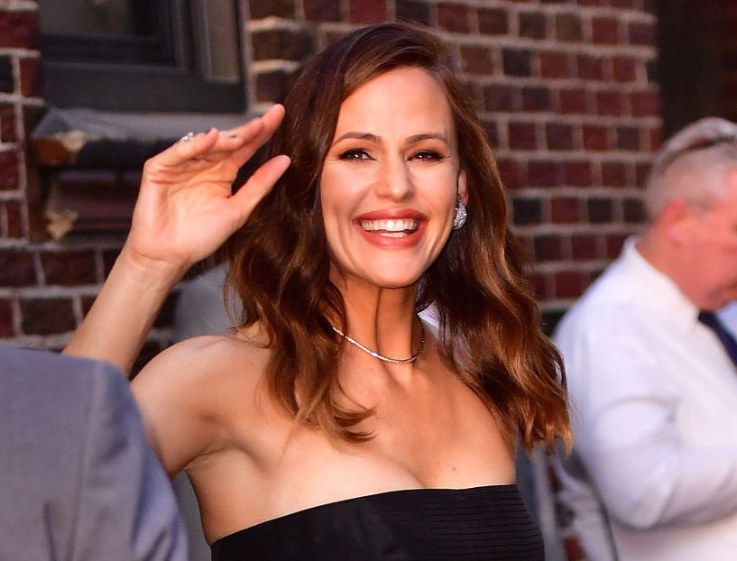 Here's where you can buy Jennifer Garner's pineapple-covered dress, a summer staple