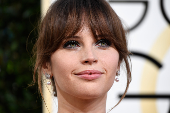 We couldn't help but notice Felicity Jones' stunning engagement ring on the red carpet